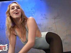 Sexy utiliza Butt plug porno real casero mexicano