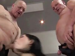 Chica negra inserta juego xvideos reales caseros de sexo con simulador anal
