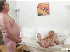 Dos chicas haciendo un ver videos caseros reales masaje